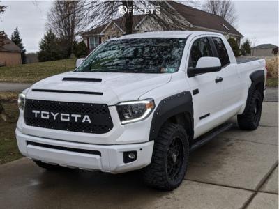 "2018 Toyota Tundra - 20x9 18mm - Anthem Off-Road Avenger - Stock Suspension - 33"" x 12.5"""
