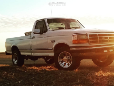 1996 Ford F-250 - 17x9 0mm - Pro Comp 69 - Stock Suspension - 265/70R17