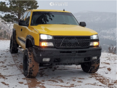 "2007 Chevrolet Silverado 1500 Classic - 18x12 -44mm - Moto Metal Mo962 - Suspension Lift 4"" - 33"" x 12.5"""