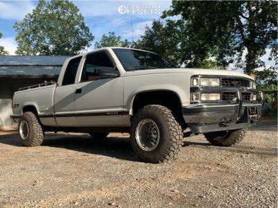 "1995 Chevrolet K1500 - 15x12 -44mm - Weld Racing Stone Crusher - Stock Suspension - 32"" x 11.5"""