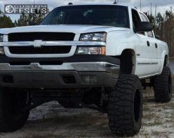 """2004 Chevrolet Silverado 2500 - 20x12 -44mm - Moto Metal MO962 - Lifted >9"""" - 37"""" x 13.5"""""""