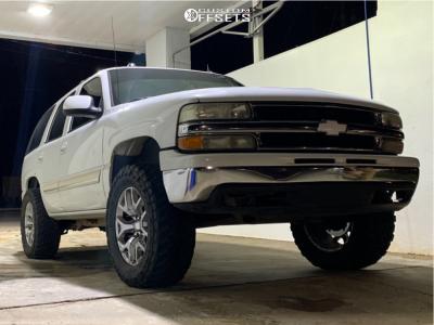 "2004 Chevrolet Tahoe - 20x9 0mm - OE Replicas Flakes - Suspension Lift 3"" - 35"" x 10.5"""