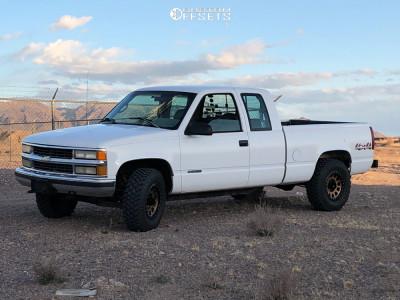 1995 Chevrolet K1500 - 16x8 0mm - Method Mr305 - Stock Suspension - 265/75R16