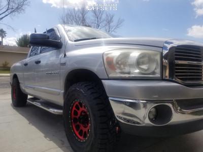 "2007 Dodge Ram - 17x8.5 0mm - Method Mr305 - Suspension Lift 2.5"" - 33"" x 12.5"""