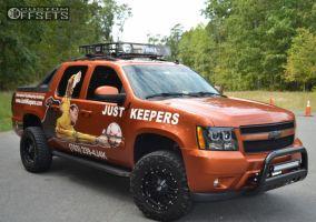 "2007 Chevrolet Avalanche - 18x9 -12mm - Fuel Hostage - Suspension Lift 4"" - 285/65R18"