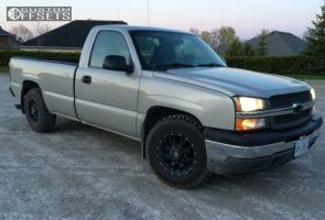 2005 Chevrolet Silverado 1500 - 17x9 18mm - Mayhem Warrior - Stock Suspension - 265/70R17