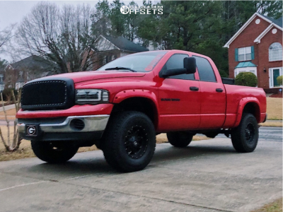 "2005 Dodge Ram 1500 - 17x9 -12mm - Fuel Hostage D531 - Suspension Lift 4.5"" - 325/70R17"