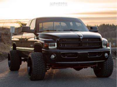 "1996 Dodge Ram 2500 - 22x14 -76.2mm - ARKON OFF-ROAD Lincoln - Level 2"" Drop Rear - 33"" x 14.5"""