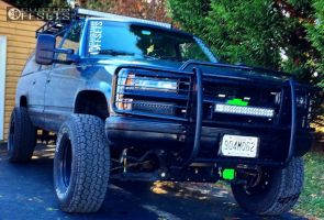 "1994 Chevrolet K1500 Suburban - 17x9 -64mm - Pro Comp Series 51 - Suspension Lift 6"" - 315/70R17"