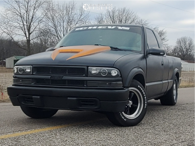 1996 Chevrolet S10 - 15x8 1mm - US Mags Standard - Lowered 2F / 4R - 295/35R15