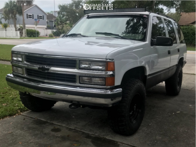 """1998 Chevrolet Tahoe - 16x8 0mm - American Racing Outlaw Ii - Suspension Lift 3"""" - 33"""" x 11.5"""""""