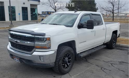 "2018 Chevrolet Silverado 1500 - 17x9 -12mm - Fuel Assault D546 - Leveling Kit - 33"" x 12.5"""