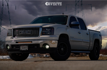 "2013 GMC Sierra 1500 - 18x9 12.7mm - Anthem Off-Road Rogue - Stock Suspension - 33"" x 12.5"""