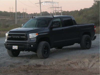 "2015 Toyota Tundra - 18x10 -24mm - Moto Metal Mo962 - Leveling Kit - 33"" x 12.5"""