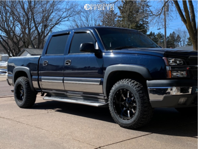 2005 Chevrolet Silverado 1500 - 18x10 -24mm - Moto Metal Mo970 - Leveling Kit - 275/65R18