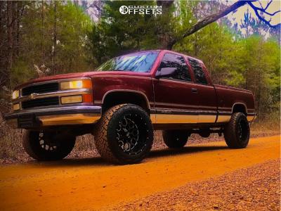 "1998 Chevrolet C1500 - 20x12 -44mm - Hardrock Gunner - Suspension Lift 6"" - 33"" x 12.5"""
