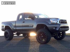 "2014 Toyota Tacoma - 20x12 -44mm - Moto Metal MO962 - Suspension Lift 6"" - 33"" x 12.5"""