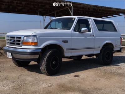 "1992 Ford Bronco - 15x8 -19mm - Vision Manx - Stock Suspension - 31"" x 10.5"""