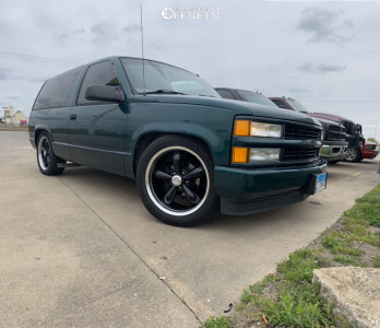 1998 Chevrolet Tahoe - 20x8.5 10mm - Vision Legend 5 - Lowered 2F / 4R - 275/45R20