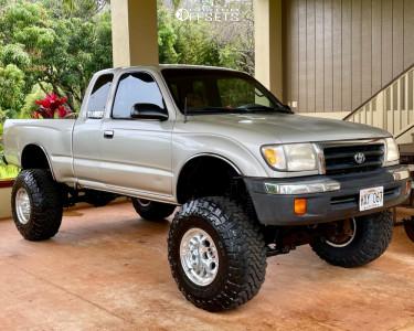 "2000 Toyota Tacoma - 15x12 -38mm - Mickey Thompson Classic Iii - Suspension Lift 7"" - 33"" x 12.5"""