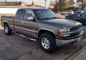 2002 Chevrolet Silverado 1500 - 17x9 12mm - Mamba M14 - Stock Suspension - 285/75R17