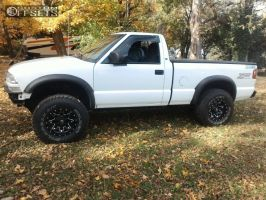 """1999 Chevrolet S10 - 15x8 -18mm - Fuel Lethal - Leveling Kit - 31"""" x 10.5"""""""