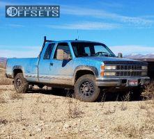 1993 Chevrolet K2500 - 17x8.5 18mm - Level 8 Guardian - Stock Suspension - 265/70R17