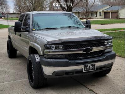 """2002 Chevrolet Silverado 2500 HD - 22x10 -25mm - Hostile Lunatic - Level 2"""" Drop Rear - 31"""" x 12.5"""""""