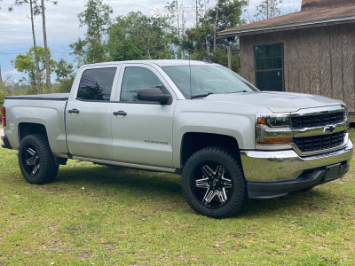 2016 Chevrolet Silverado 1500 - 20x10 -25mm - Vision Razor - Stock Suspension - 285/50R20