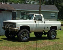 "1982 Chevrolet K10 - 20x10 -24mm - XD XD809 - Suspension Lift 6"" - 37"" x 13.5"""