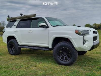 "2018 Toyota 4Runner - 17x8.5 0mm - Icon Alloys Rebound - Suspension Lift 3"" - 285/70R17"