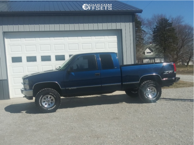 "1999 Chevrolet K1500 - 15x8 0mm - Mickey Thompson Classic Iii - Stock Suspension - 30"" x 15.5"""