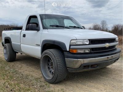 "2000 Chevrolet Silverado 2500 - 22x12 -44mm - Vision Rocker - Stock Suspension - 33"" x 12.5"""