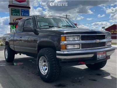 "1996 Chevrolet K1500 - 16x10 -24mm - Mickey Thompson Classic Iii - Suspension Lift 2.5"" - 285/75R16"