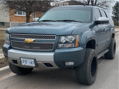 "2008 Chevrolet Tahoe - 20x12 -44mm - Moto Metal 962 - Leveling Kit - 33"" x 12.5"""