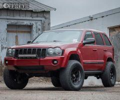 "2006 Jeep Grand Cherokee - 17x9 -12mm - Level 8 Tracker Pro - Suspension Lift 4"" - 285/70R17"