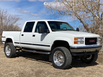 """1999 Chevrolet K2500 - 22x10 -22mm - Fuel Forged Ff16 - Suspension Lift 7"""" - 35"""" x 12.5"""""""