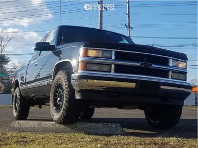 1998 Chevrolet K1500 - 17x8 20mm - KMC Km542 - Stock Suspension - 265/70R17