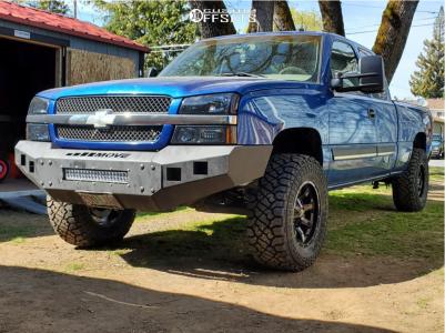 "2003 Chevrolet Silverado 1500 - 17x9 -12mm - Moto Metal Mo970 - Suspension Lift 4.5"" - 33"" x 12.5"""