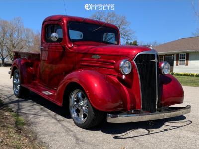 1937 Chevrolet C10 Pickup - 17x8 19mm - Vision Legend 5 - Stock Suspension - 215/45R17