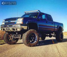"""2003 Chevrolet Silverado 1500 HD - 22x14 -76mm - Moto Metal Mo962 - Lifted >9"""" - 40"""" x 15.5"""""""