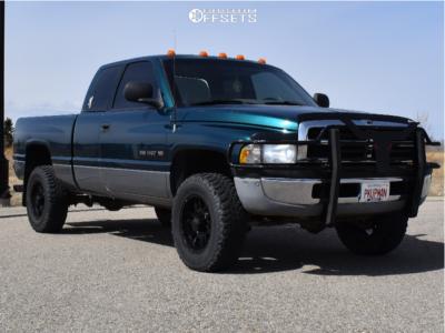 "1995 Dodge Ram 1500 - 17x8 10mm - Ion Alloy 179 - Stock Suspension - 32"" x 10.5"""