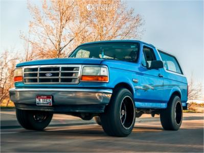 "1995 Ford Bronco - 20x12 -44mm - Moto Metal Mo962 - Level 2"" Drop Rear - 33"" x 12.5"""