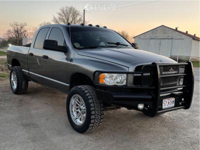 "2005 Dodge Ram 2500 - 20x10 -18mm - Fuel Ignite - Leveling Kit - 33"" x 12.5"""