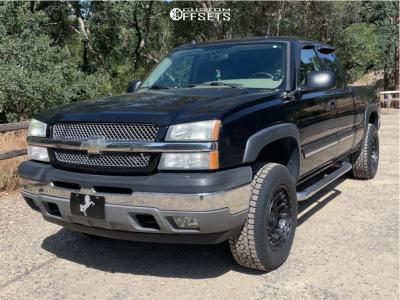 2005 Chevrolet Silverado 1500 - 18x9.5 -18mm - Black Rhino Chamber - Leveling Kit - 255/70R18