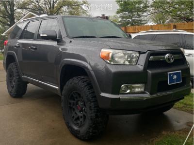 "2011 Toyota 4Runner - 17x7 4mm - Toyota TRD Pro Wheels - Suspension Lift 3"" - 285/70R17"