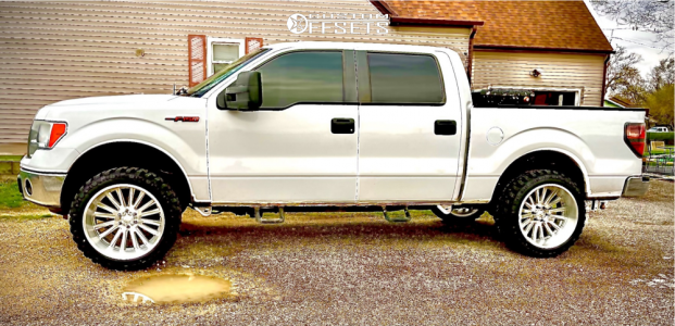 "2011 Ford F-150 - 22x12 -44mm - V-Rock Anvil - Suspension Lift 2.5"" - 33"" x 12.5"""
