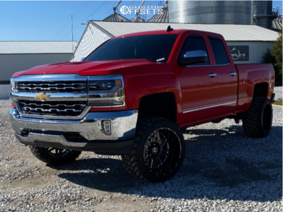 "2016 Chevrolet Silverado 1500 - 22x14 -76mm - Hostile Sprocket H108 - Suspension Lift 7"" - 33"" x 14.5"""