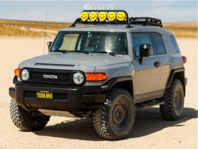 2014 Toyota FJ Cruiser - 17x8 0mm - Fifteen52 Offroad Analog Hd - Leveling Kit - 285/70R17
