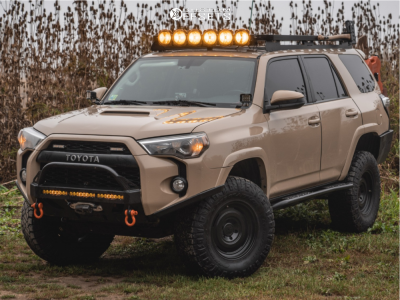 "2018 Toyota 4Runner - 17x8.5 0mm - Fifteen52 Offroad Analog Hd - Suspension Lift 2.5"" - 305/70R17"